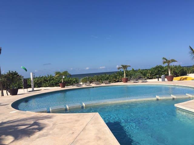 Luxury oceanfront apartment in Yuc - Telchac Puerto - Byt