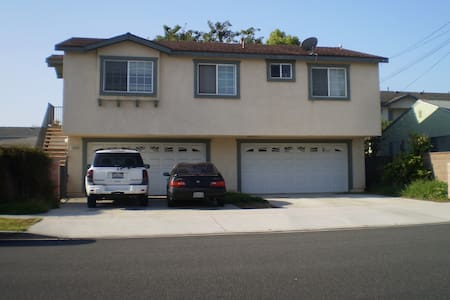 3 bedroom Carriage House - Gardena
