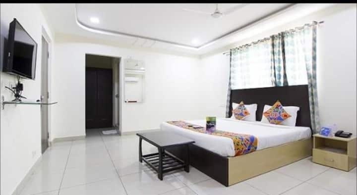 Homely stay in Hitech city