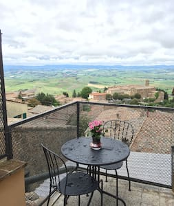 Sunny & Charming Central Montalcino - Montalcino - Huoneisto