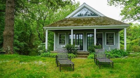Unique, fun riverfront cottage