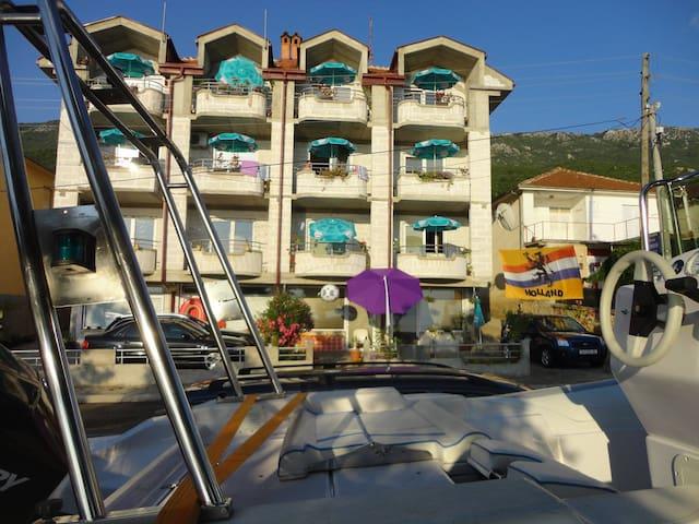 Apartmnts Bakule - by the lake
