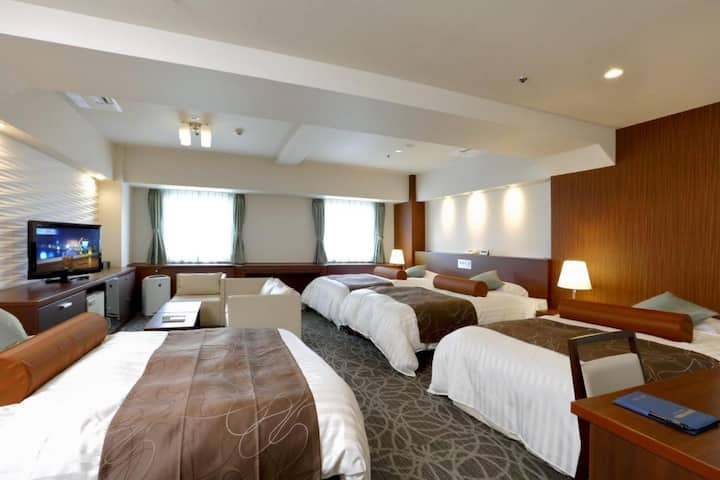 Best deal for 2 or more nights (4pax) Close to Hankyu Juso Station 住宿2晚或以上最佳優惠(4人),靠近阪急十三站