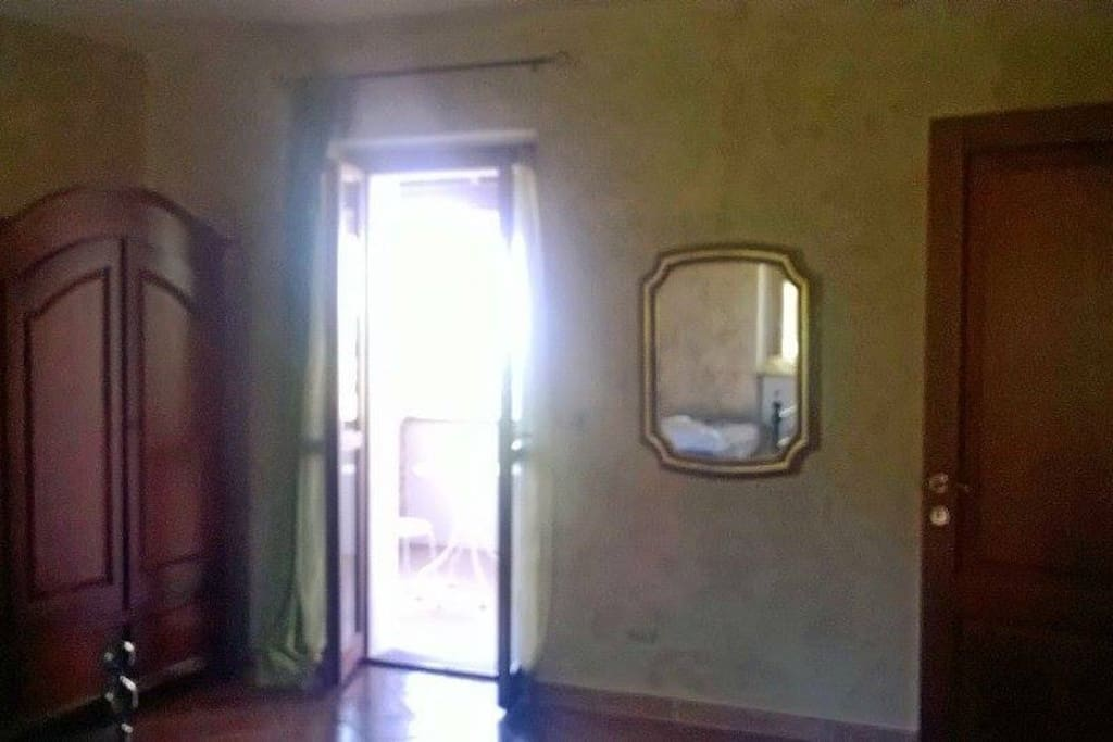 La camera/The bedroom