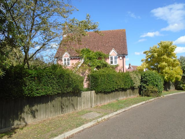 Homely house in Snape Suffolk UK