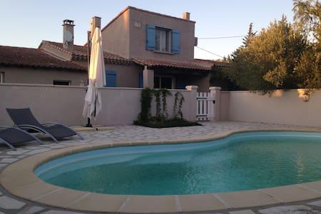 villa avec piscine au cœur de la provence - Le Thor - Villa