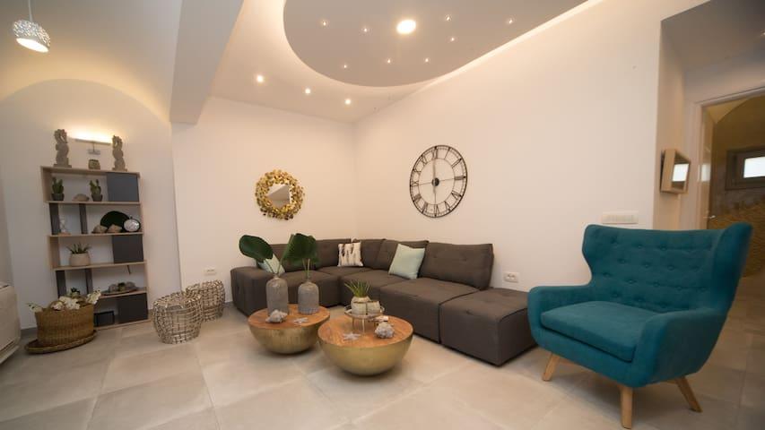 NEW Villa Kamara Santorini - Luxury Villas