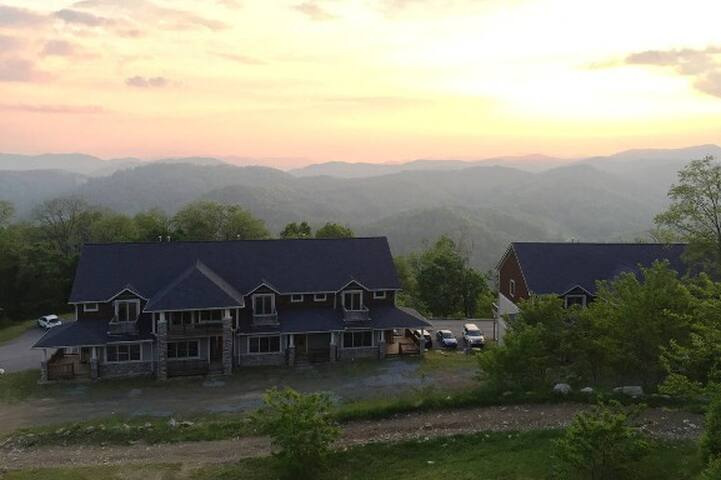 The Views at Wolf Ridge Resort (Near Asheville)