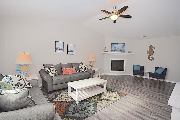 ❤️Minutes to The Beach❤️Newly Renovated Home!