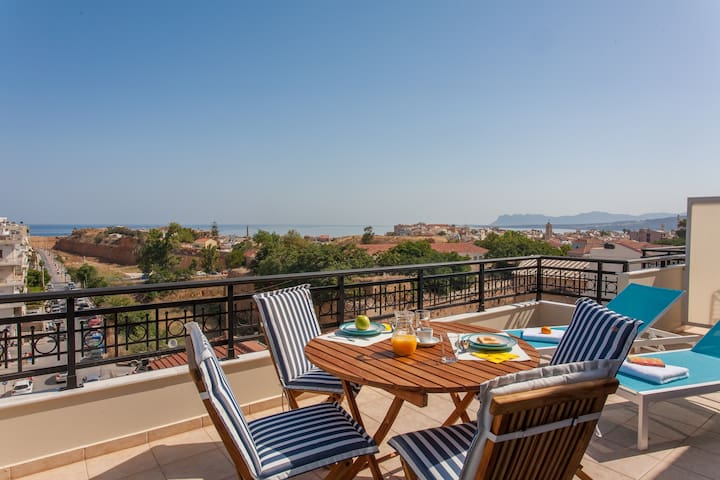 Central Luxury Lofts  SEA View Apartment