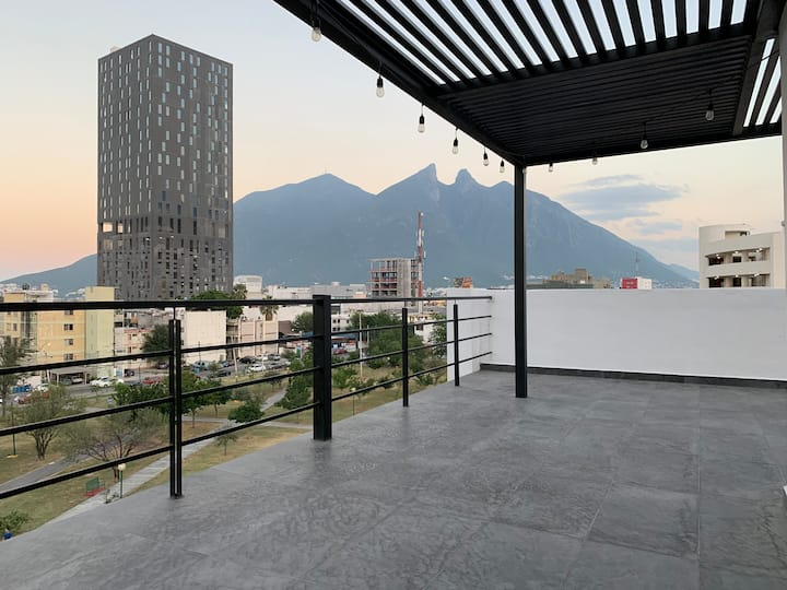 Suite TEC [ 7 ] con balcón