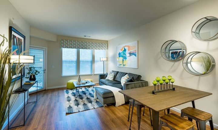 Live + Work + Stay + Easy   1BR in Lakewood