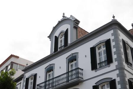 Edifício Charles 101
