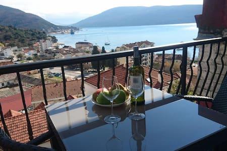 Sea view Apartments Lisa - Herceg - Novi - Huoneisto