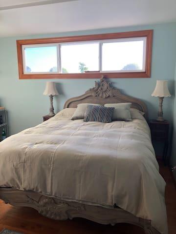 Ocean Room in Sunny Brae, Arcata