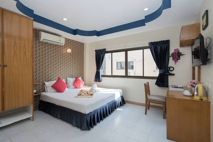 *Standard Room*200mt to Patong Beach!!