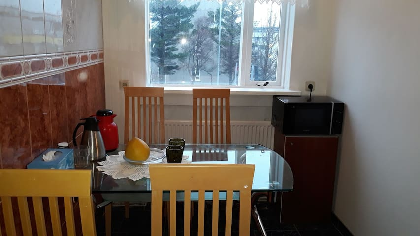 The room long term to rent   the price very cheap