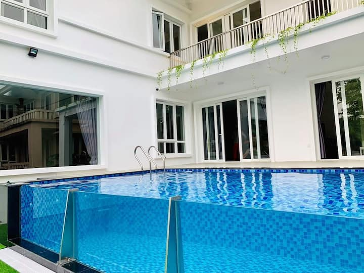 Hanoi xanh villas 6BR- FULL HOUSE- PRETTY