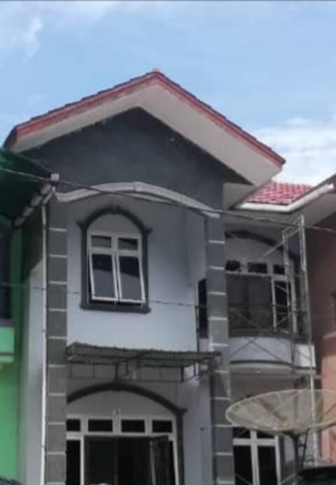 Villa Gunung Mas, Block D-5