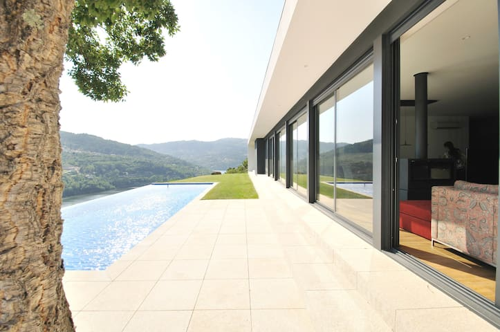 1 hour from Porto,River Douro Views - Luxury Home - Port - Hus