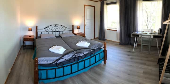 """Manor House - Room """"Hamnøy"""", Hamnøy Reine"""