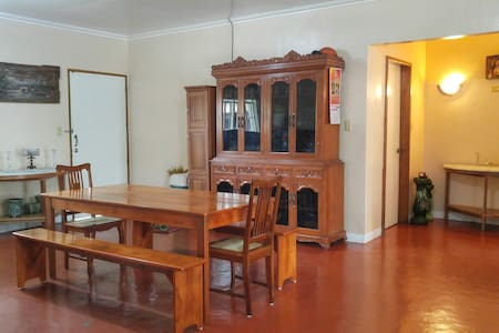 House with a taste of antiquity - Bacacay - Ev