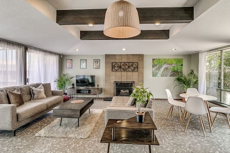 3 Bed 2 Bath MidCentury Modern House with Koi Pond