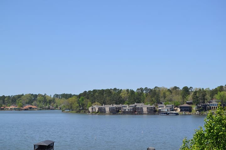 Just Remodeled 2nd Floor Views  2 Bed 2 Bath WIFI - Lake Hamilton - Condominium