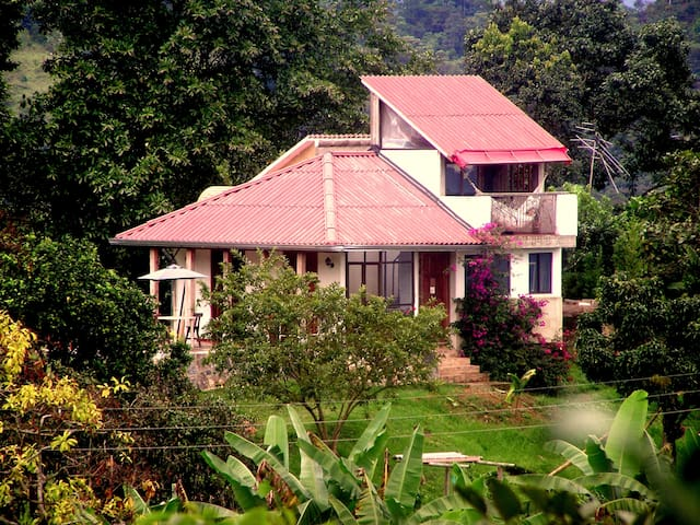PRIVATE HOUSE IN THE FOREST NEAR FROM BOGOTA - La Mesa - Rumah