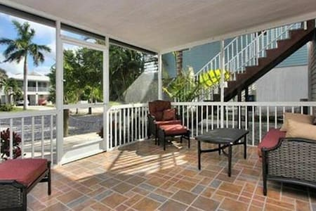 Chance in Paradise Vacation Rental FMB Groundfloor - Fort Myers Beach