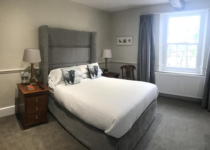 Double room with shower at the Bulls Head