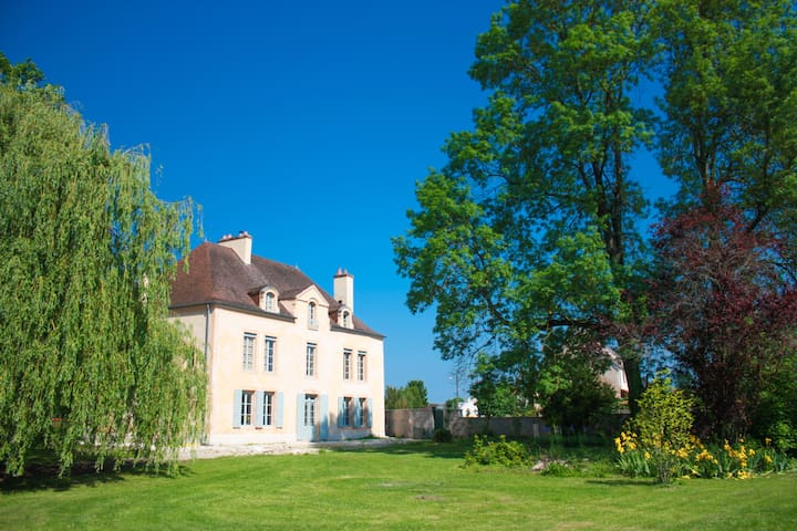 Chateau de LAMOLERE - Saint-Julien - Bed & Breakfast