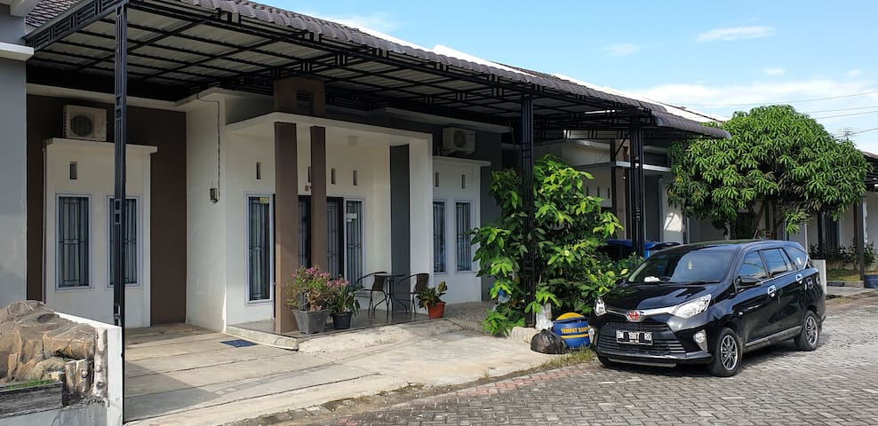 Grand Rebung Residence, House # 8FF (entire house)