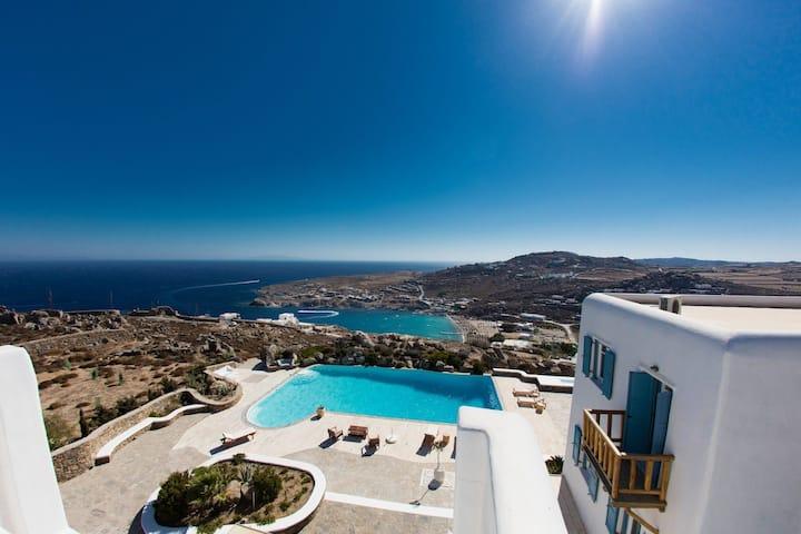 Villa Paradiso 8 bedrooms DISCOUNTED 50%