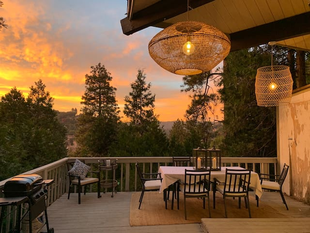 Your Lake View Chalet Awaits!