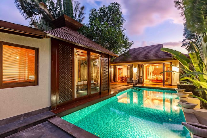 亚龙湾东南亚半山雨林泳池别墅