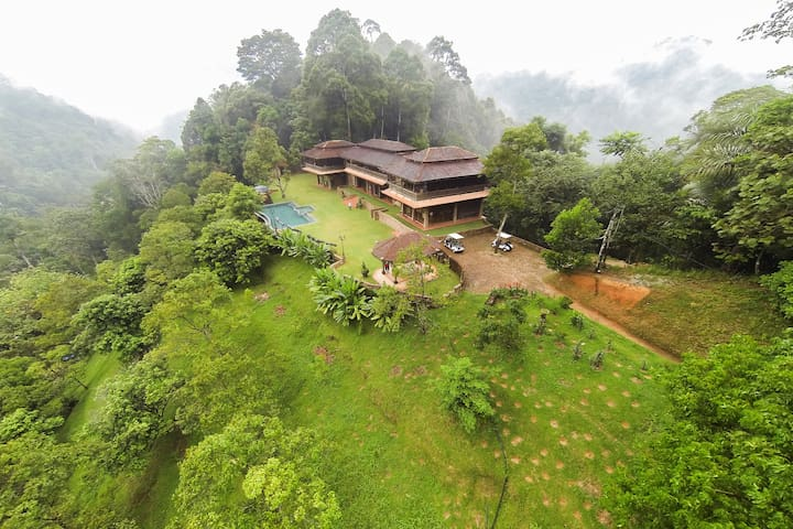 Villa Puncak Timur at Puncak Rimba