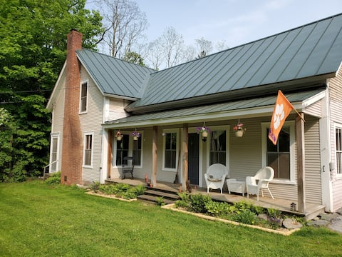 NEW LISTING!! Vermont Escape, Too
