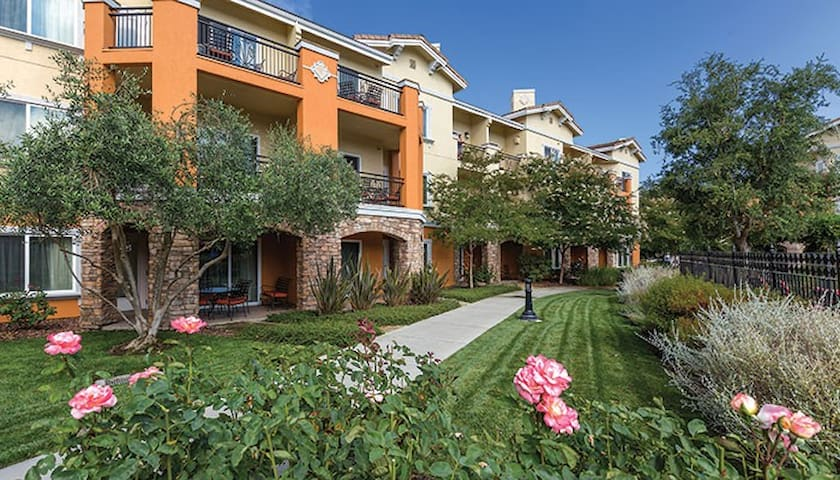 Upscale Napa Resort and Spa (1 Bedroom Suite)