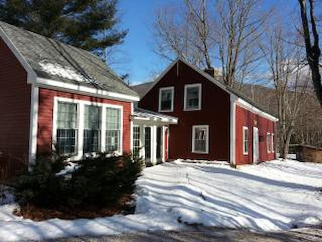 Vermont Mountain Farmhouse with great views - Pittsfield - Haus