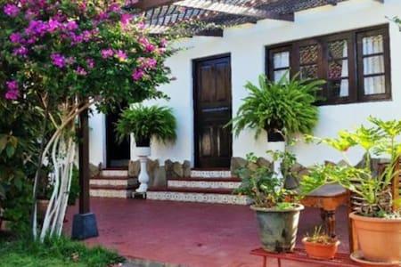 Private room @Garden Villa - サンティアゴ・デル・テイデ