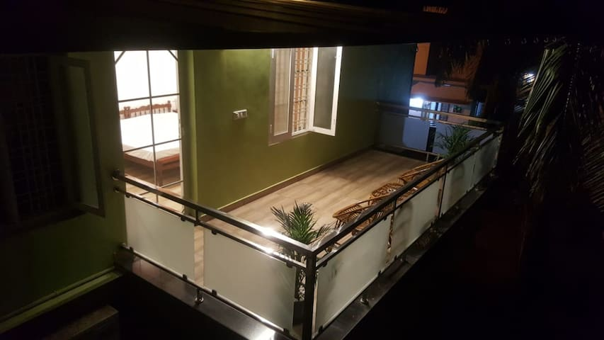 Bento's Homestay Double Room with private Balcony