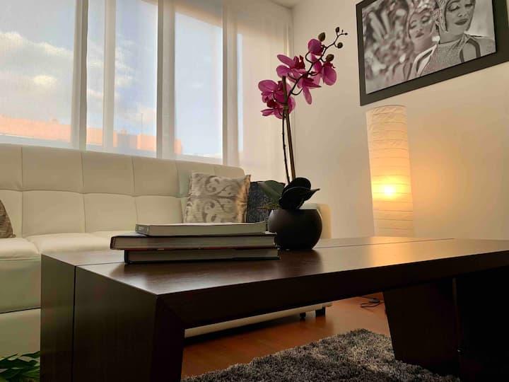 Modern Apt, Long Stays & Office Space, Usaquen!