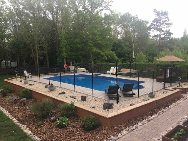 PARTY PAD, BIRTHDAY, FAMILY GATHERING, CORP EVENT