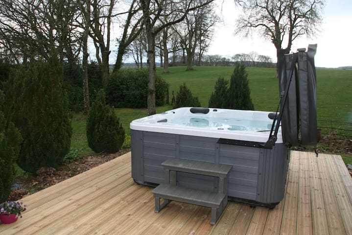 New HOT TUB with westerly views to catch the sun set