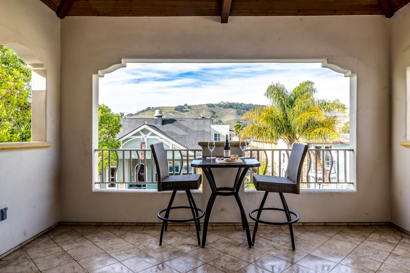 28 San Miguel-Private Covered Patio - 28 San Miguel Avila Beach Vacation Renta