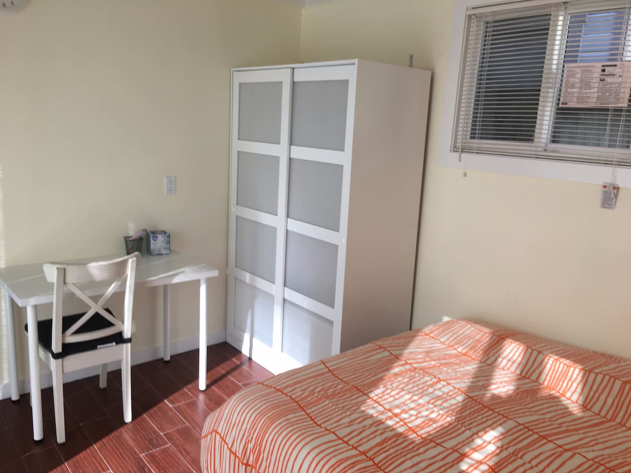 Newly remodeled room in Sunset(private entrance) 3