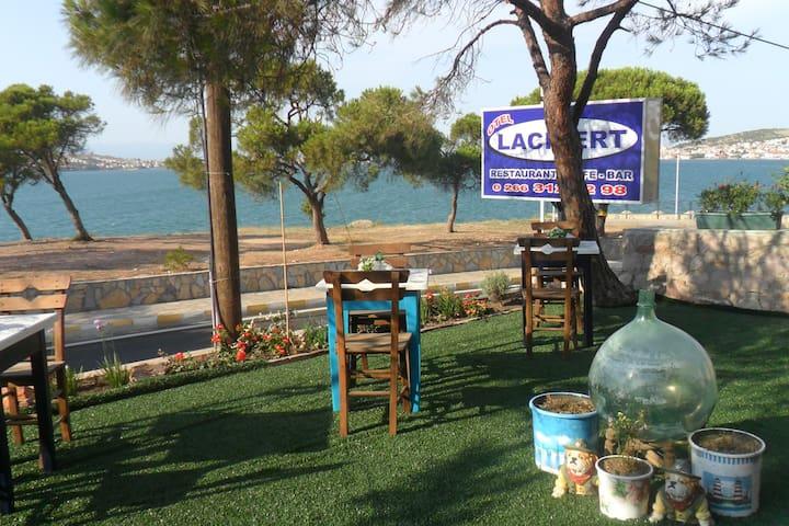 Lacivert - Ayvalık - ที่พักพร้อมอาหารเช้า