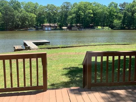 Život uz jezero u Shelby Shoresu