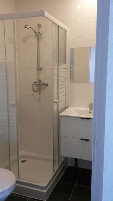 studio meubl m tro valmy lyon vaise apartments for rent in lyon auvergne rh ne alpes france. Black Bedroom Furniture Sets. Home Design Ideas